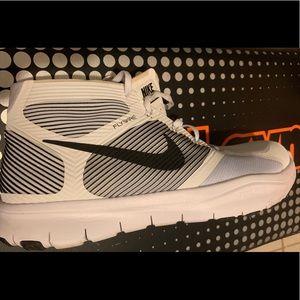 Nike White & Black Shoes